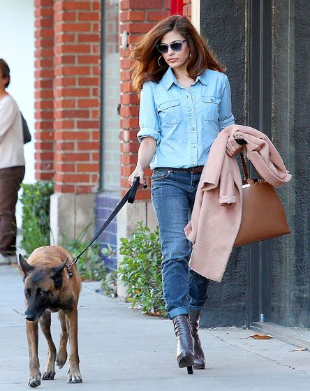 Eva mendes dog walking